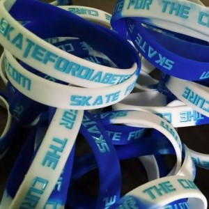 2015 blue and white wristbands